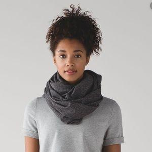 lululemon vinyasa snap scarf